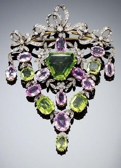 Edwardian brooch with peridots and amethysts.