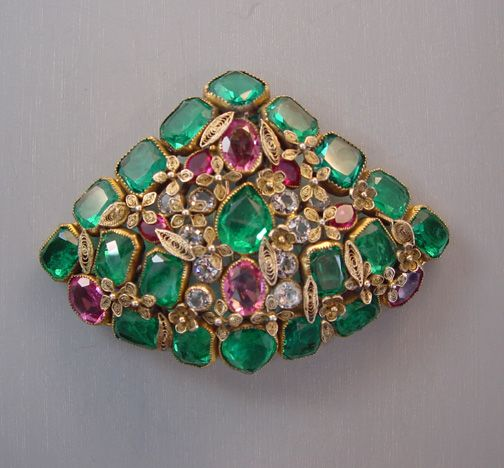HOBE fan shaped fur clip in green, pink and clear unfoiled rhinestones set in go...