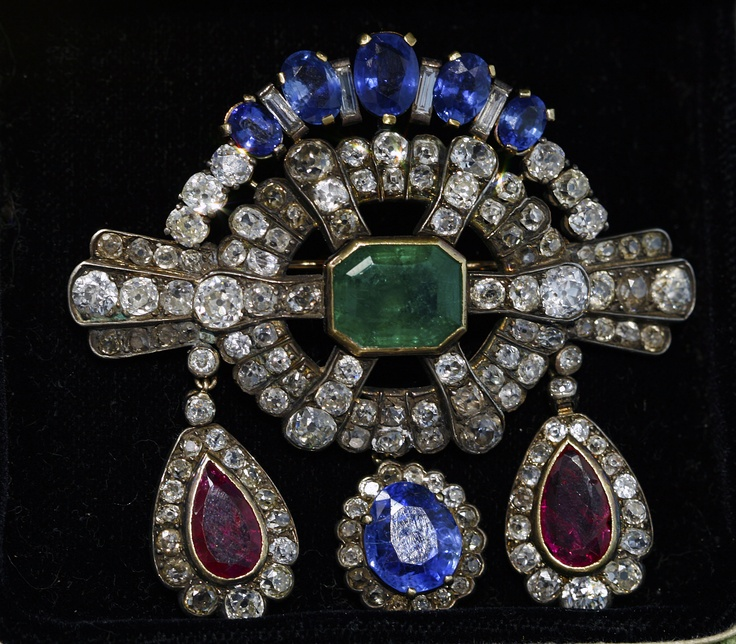 This antique brooch from the 1850's boasts all the hallmarks of the Early Vict...