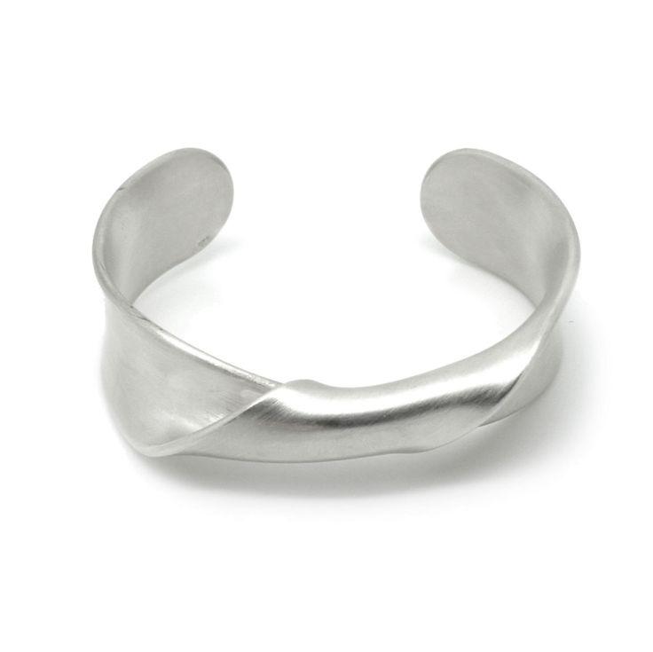ad640174f Leen Heyne - Silver Twist Cuff - ORRO Contemporary Jewellery Glasgow - www. ORRO.