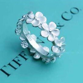 Forget me not ring from Tiffanys