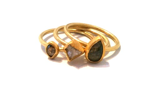Petra Class - Assortment of raw, rough and grey diamond rings 18/22k gold - Gall...