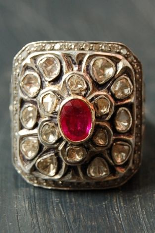 Ruby square ring*