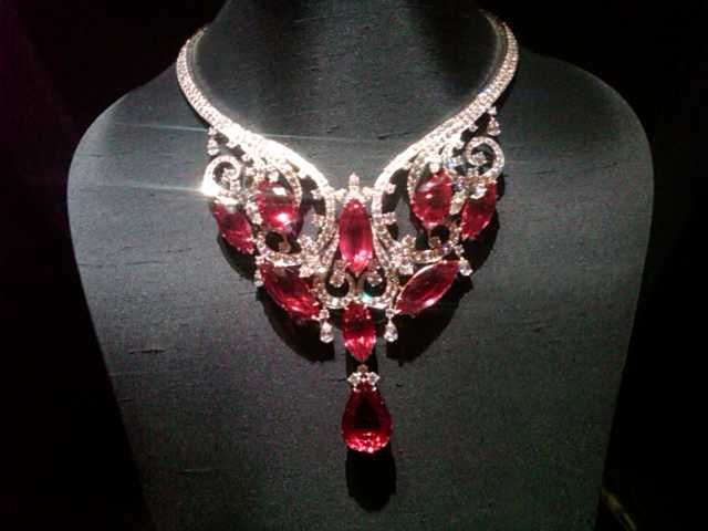 69782e30c1dbc Necklace Collection : Harry Winston. - ZepJewelry.com | Home of ...