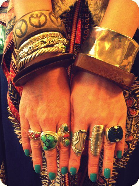 Vintage Vixen: Hippy Chic - On The Cheap.