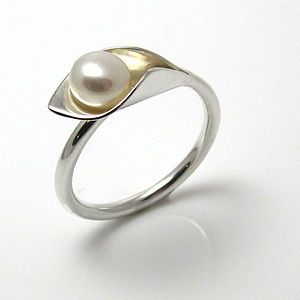 the perfect pearl ring - I must own this