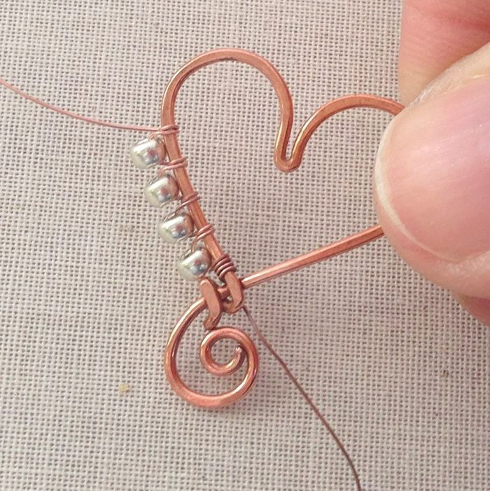 Lisa Yang's free tute - How to wrap beads on the outside of a frame ~ Wire J...