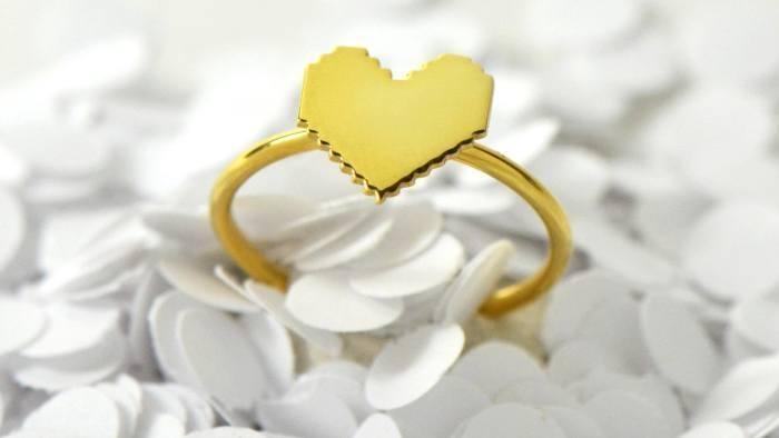10 Pieces of Geek-Chic Valentine's Day Jewelry