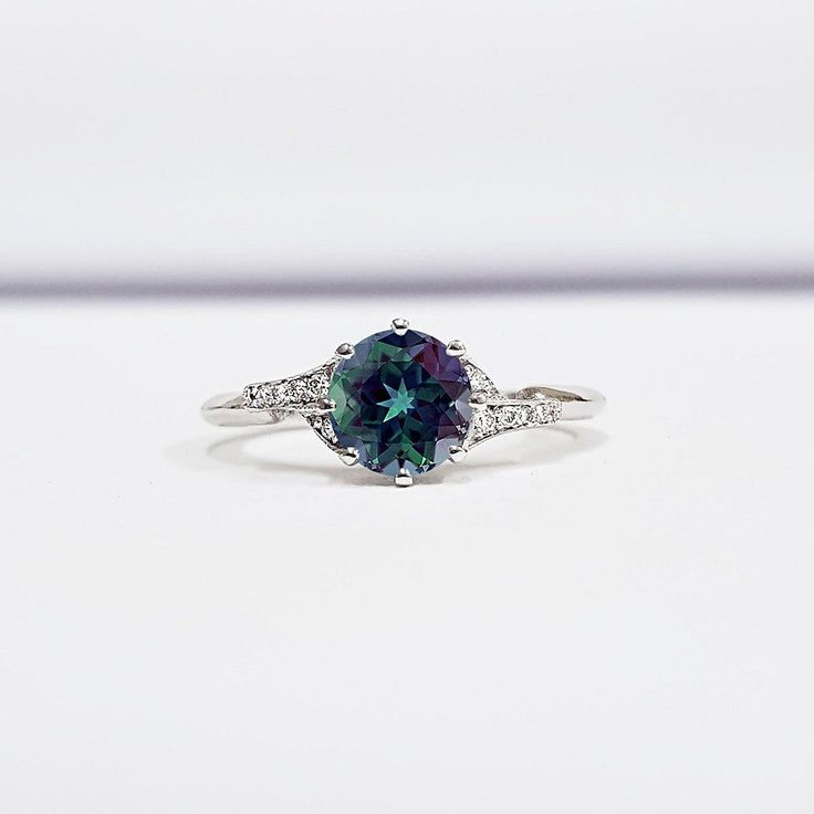 7 AWESOME ENGAGEMENT RING TRENDS FOR 2019