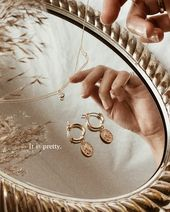 Gold jewelry & mirror trays // Jewelry I'm loving at the moment from Hey Heg...
