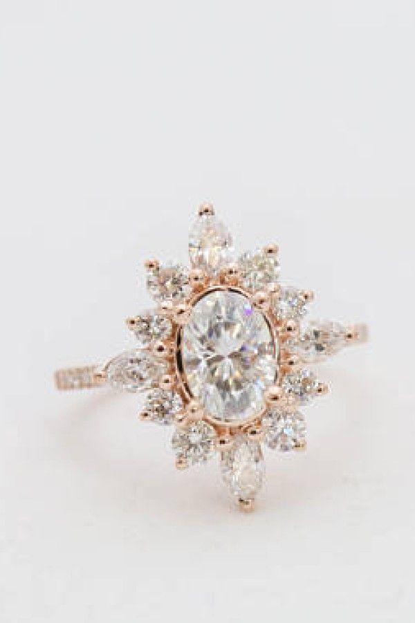 Halo moissanite ring engagement - #ad - #etsyseller #weddingrings #engagementrin...
