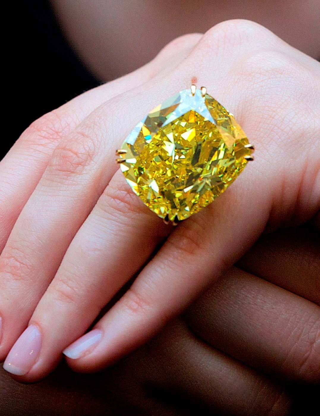 Rumoured to be Victoria Beckham's new ring, lucky girl!