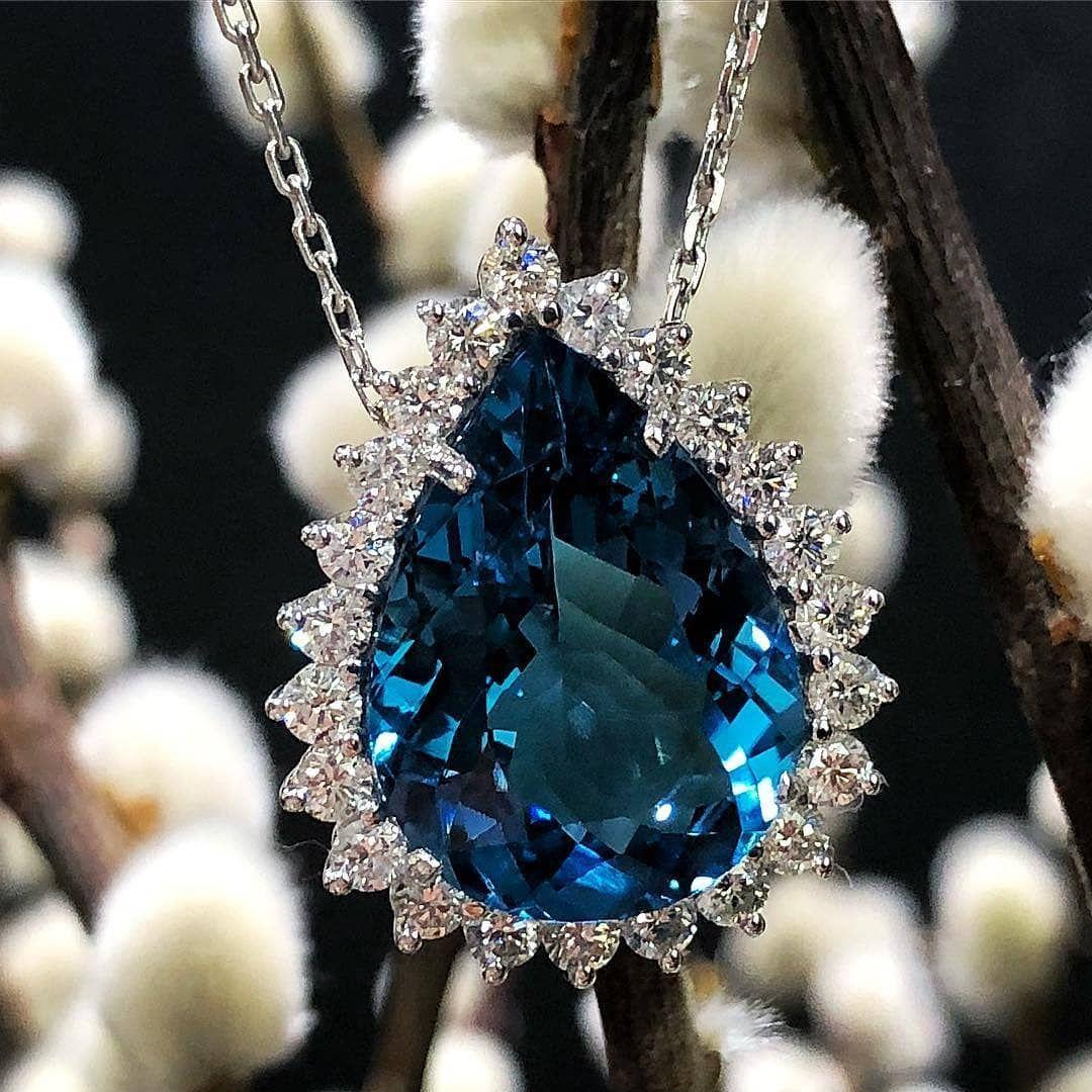 "The Jewell Closet💎👑👑💎 on Instagram: ""Follow @thejewellcloset .  Brand: @joalherialegner . Jewellery: How Stunning  is Diamond & London Blue Topaz Necklace . . Price: .Please…"""
