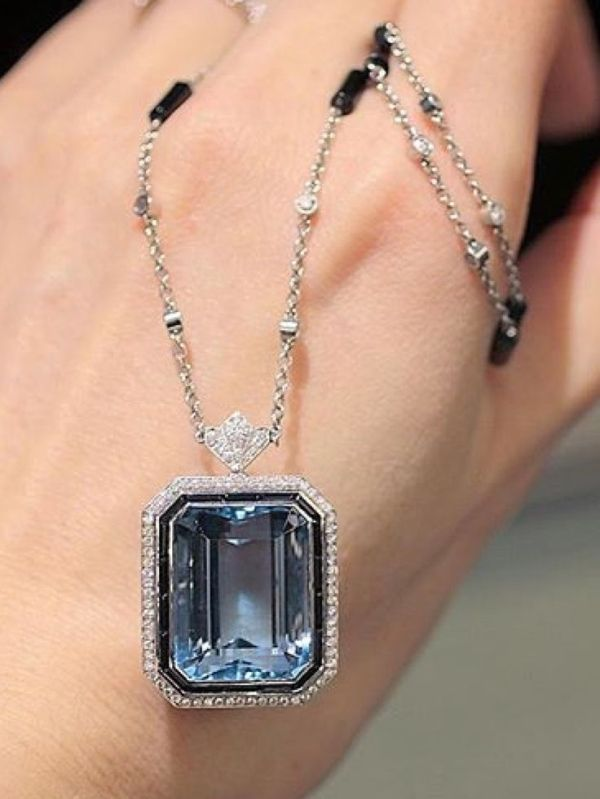 Art Deco tiffany and co aquamarine pendant necklace via @katerina_perez by lara