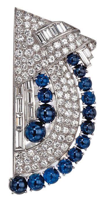Solitaire Diamond Stud Earrings 18K – Modern Jewelry