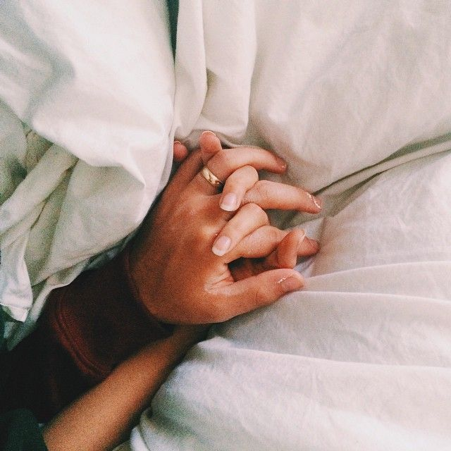 8 Scientific And Romantic Reasons Why We Love Holding Hands
