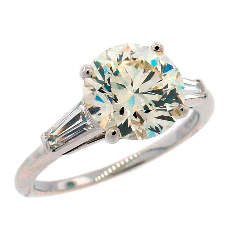 TIFFANY & Co. 2.61-ct Diamond & Platinum Engagement Ring